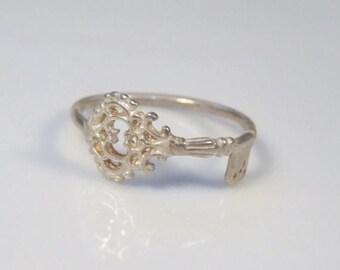 SALE - Skeleton key ring,  Silver novelty ring, Everyday jewelry, Key jewelry