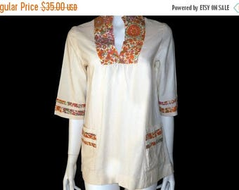 Summer Sale Vintage 60s Hippie Tunic // Womens Mod Print Shirt// Festival Hipster Mexican Flower Western Country Cowgirl Blouse// Size M //