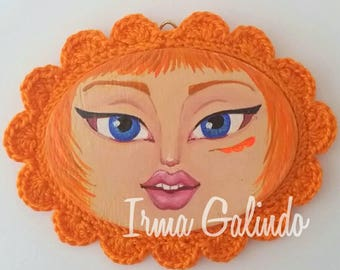 Mini Painting Girl with Crocheted Frame color Orange with Green Eyes
