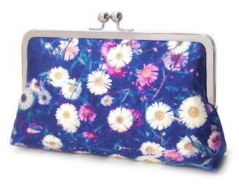 Daisies clutch purse, silk bag, blue and white flowers, wedding purse, bridesmaid gift, summer meadow