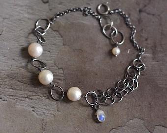 Japanese Akoya Pearl Bracelet - Moonstone Bracelet - Dainty Oxidized Sterling Silver Bracelet - Silver Link Bracelet - Vintage Chic Bracelet