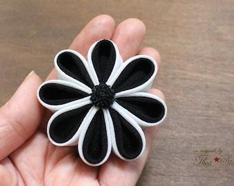 Black and White | Kanzashi Flower Hair Clip