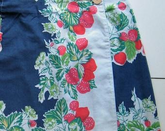 Vintage GAP Wrap Skirt - 1970's, Short skirt, Summer skirt, Fun skirt, Strawberries, Blue and red, Wooden button, 100% Cotton, Size 10