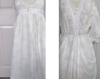 Vintage peignoir . pink rose peignoir . Carol Hochman peignoir. Carol Hochman . cotton peignoir . old fashioned peignoir