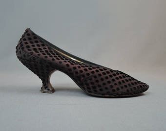 Vintage Edwardian Style Shoes size 6-1/2 to 7 Black Velvet Dots As Is, not wearable Pappagallo 1950s 1960s