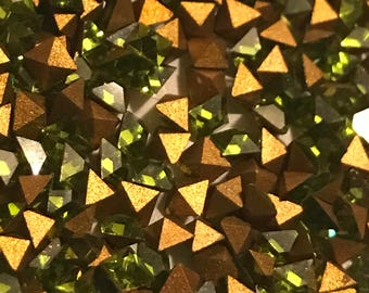 24pc 2.8mm Olivine Squares Vintage Swarovski Square Size 2.8mm Squares Pointed Backs Gold Foiling Swarovski Olivine Squares