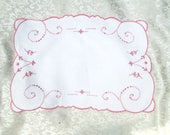 Vintage Madeira Tray Cloth Pink Placemat Place Mat Doily Portugal Hand Embroidered Embroidery Shabby Cottage Decor Vintage Table Linens