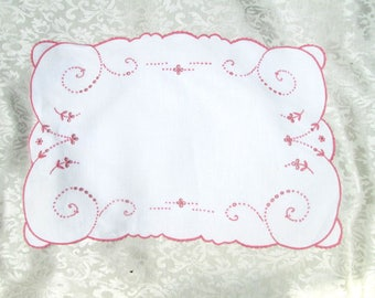 Vintage Madeira Tray Cloth Pink Placemat Place Mat Doily Hand Embroidered Embroidery Shabby Cottage Decor Vintage Table Linens