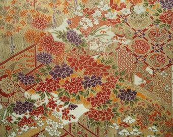 Kimono Silk Golden Flowers