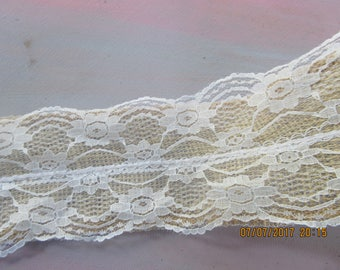 Roll of 2 7/8 Inch Wide Burlap Ribbon,  Serged,,  3 yards, Lace Overall,
