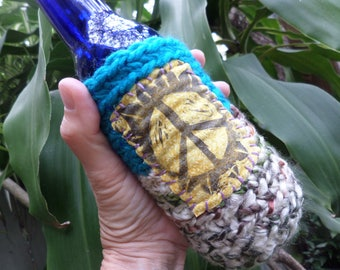 Hippie Beer, Beer wrap, beer holder, D62, bottle cooler, can cooler, beer cozy,  hippie gift, peace sign, festival crochet, cheers,