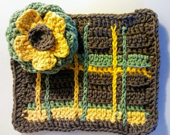 Plaid Crochet Tawashi Kitchen Dish-washing Wash Cloth or potholder scrubby 2 pack cotton green brown yellow flower floral blossom
