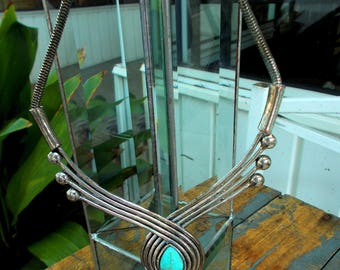 Tribal Design Turquoise Silver Tone Bib Necklace / Art Deco Swirl Design Necklace / Boho Chic Em Style Tribal Festival Wear