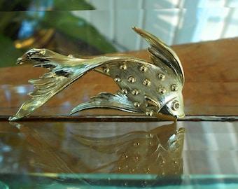Gold Tone Vintage Tropical Fish Brooch / Figural Tropical Fish Pendant / Beach Nautical Design