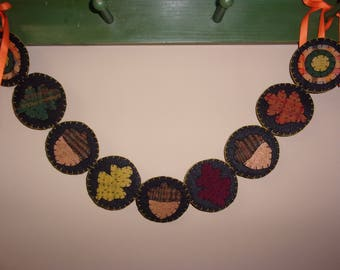 Penny Rug Garland 28 inches Oak Leaves and Acorns