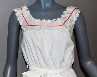 1980s Miss Dira of New York Sun Dress. Halter style eyelet white with red piping and tiered skirt. A line. Mexican style. Small Bust 34 36