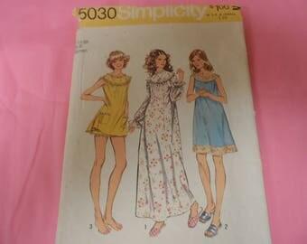 Simplicity 5030 Vintage Nightgown Shortie Pajamas Lingerie Vintage Size X-Large