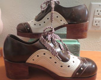 Vtg 1970s Mens Patent Leather Brown White Wedge Heel Shoes / Wooden look soles Heel / Murray Street - Wallace  / Size 8.5 D / Retro Disco!