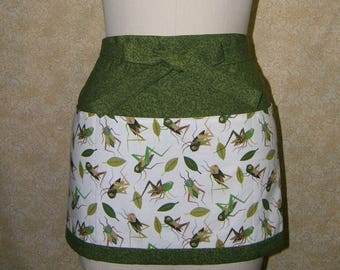 Cricket apron grasshopper deep front pockets three sections waist tie half green brown cotton fully lined top stitched sewn by me