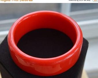 On sale Pretty Vintage Red Plastic Bangle Bracelet