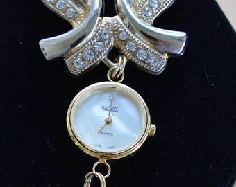 ON SALE Pretty Vintage Rhinestone, Faux Pearl Victorian-style Watch Brooch (R14)