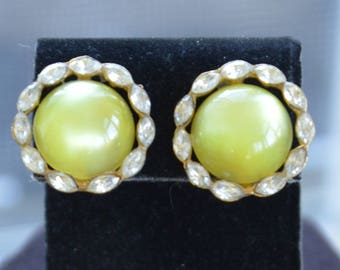 Yellow Thermoset, Rhinestone Button Clip Earrings, Gold tone, Vintage (B10)