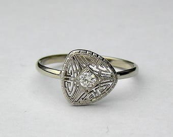 Edwardian 14kt and diamond ring
