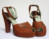 SADIE SUNRISE Vintage 1940s Chocolate Brown Suede Platform Peep Toe Heels / Palter DeLiso / Size 5