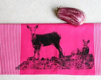"""Fair trade tea towel """"two deers"""" pink"""