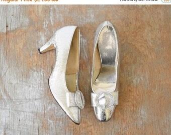 20% OFF SALE 60s silver heels, vintage 1960s silver shoes, silver cocktail pumps, size 7.5 shoes