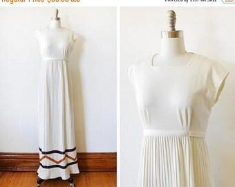 20% OFF SALE 70s white maxi dress, vintage 1970s Jonathan Logan dress, empire waist cap sleeve pleated dress, extra small xs
