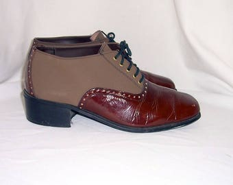 Sz 10 men Vintage two tone brown leather and suede 1960s lace up shoes.