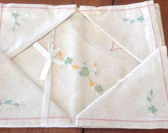 Vintage Irish Linen Tea Tablecloth and Napkin Set, Original Folds and Label, Green and Yellow Embroidery