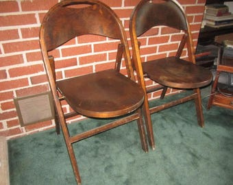 vintage 1940s sturdy pair of matching wood folding chairs lot no2