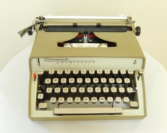 vintage Typewriter, Remington Monarch, 1963, taupe color, home decor, vintage office
