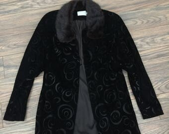 The Vintage Beaujon Paris Velvet Fur Collar Black Jacket