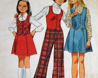 "Vintage 1970s Sewing Pattern, Simplicity 6536, Girls' Vest, Skirt and Bell-Bottom Pants, Girls' Size 7, Breast 26"", UNCUT, FF"
