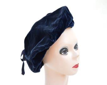 Vintage Navy Blue Velvet Beret / 1950's Knox New York Velvet Hat / Vintage Womens Beret / Vintage Womens Velvet Hat / Navy Blue Velvet Beret