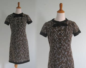 60s Chevron Dress - Vintage Mod Shift Dress in Black and Brown - Cute 60s Leslie Fay Scooter Dress - Vintage 1960s Dress S M