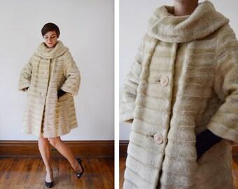 1960s Blonde Faux Fur Coat - M