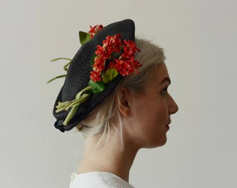 1940s Black Straw Hat with Red Flowers