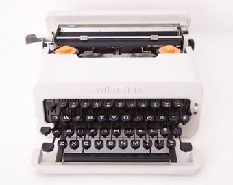 Rare white Olivetti Valentine s typewriter by Ettore Sottsass 1969 mint condition