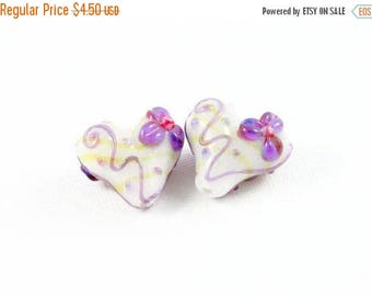 20% OFF LOOSE BEADS - Lampwork Glass Art Beads - White, Purple, Pink, and Yellow Daisy Flower Hearts (2 beads) - gla1054