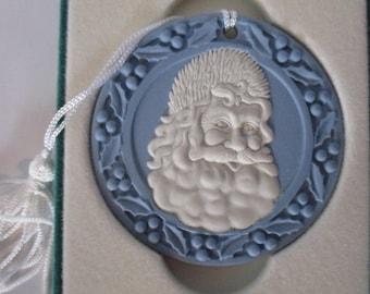 1990 Santa Claus Wedgwood  Jasperware Ornament in Original Jewelry box  Christmas