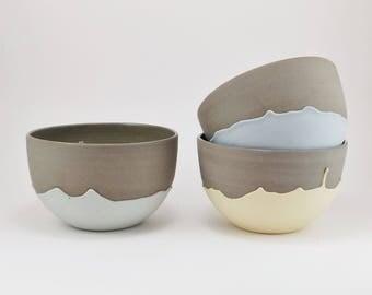 Ceramic bowl with dripping pattern - large ceramic bowl - coffee bowl - Modern bowl - Stoneware - Handmade ceramic - Fruit bowl