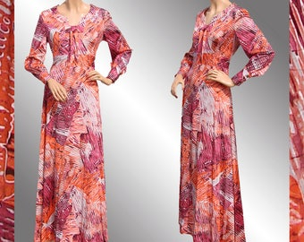 Vintage 1970s Maxi Dress - Batik Hippie Print - M / L