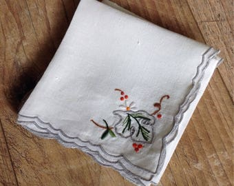 Vintage Table Napkins , Set of Four Table Napkins Embroidered, Vintage Leaf Embroidered Napkins