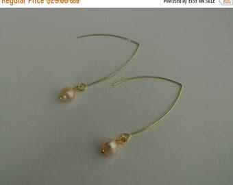 50% OFF SALE Minimalist Freshwater Cream Pearl Earrings,  14k Gold Filled Nickel free, Bridesmaid, Simple, Elegant