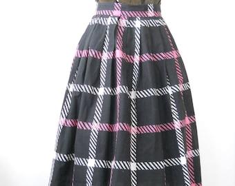 Vintage Mid Century Skirt • Sun and Surf Sportswear • Licorice Black White Pink