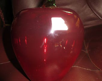 70s  BEAUTIFUL 7 .5  in   large   VIKING hand made red glass apple with Green stem.    partial Original Sticker attached